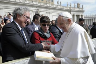 Brettler with Pope Francis